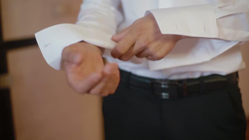 Fist a cuffs definition