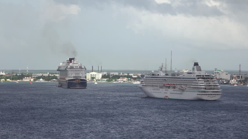 GRAND CAYMAN - NOV 2015: Grand Cayman Island cruise ship destination Caribbean. Tourism and off shore banking are main economic stimulus. Beach and resorts cater to tourists. Vacation destination.