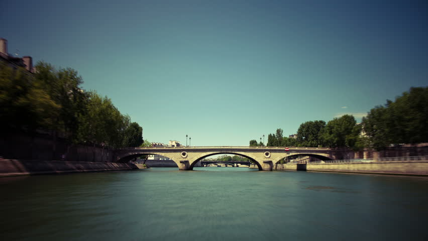 Timelapse Point of View Down Seine