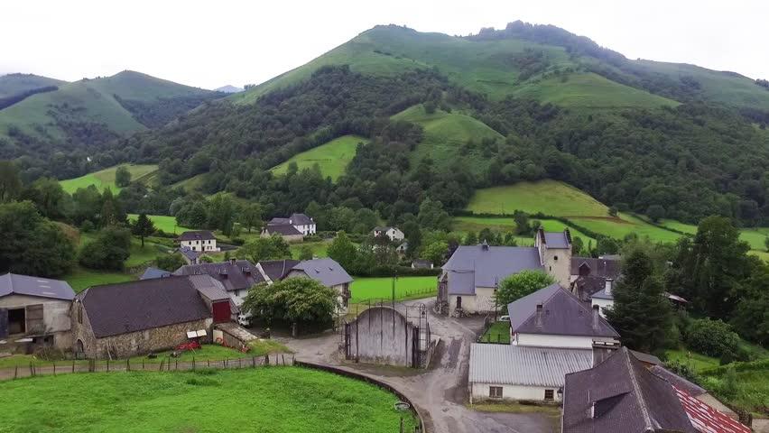 Europe, France, Aquitaine, Pyrénées Atlantique, Haux, Village