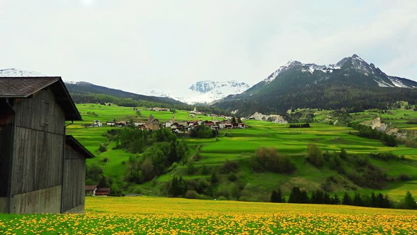 saint moritz chatrooms Mein hotel-tipp für einen kurz-trip in die bündner berge: die bever lodge liegt inmitten der zauberhaften natur des engadins, unweit von st moritz entfernt.