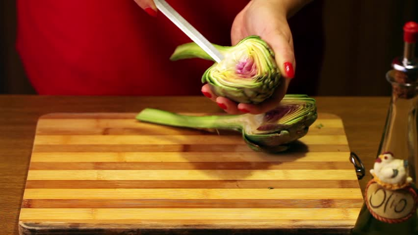 Recipes - Eggs Baked In Artichokes - Time lapse in full HD showing the preparation of baked eggs in artichoke halves.