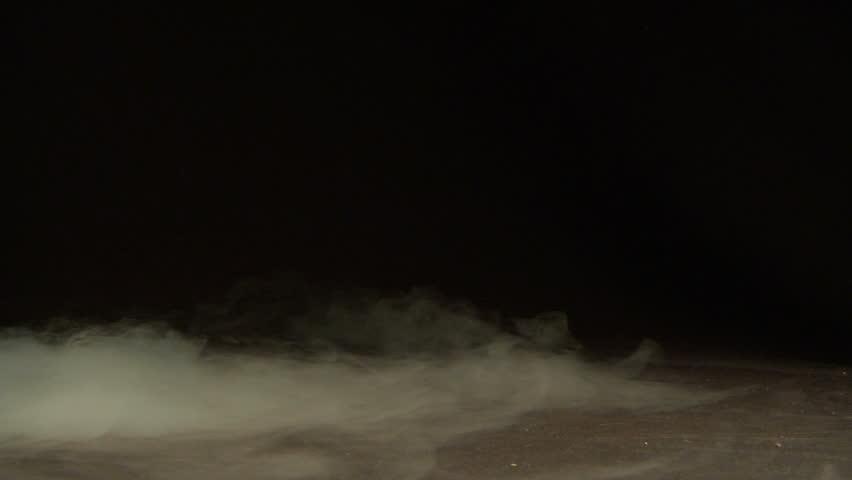 Fog / smoke / dry ice - drifting along the ground