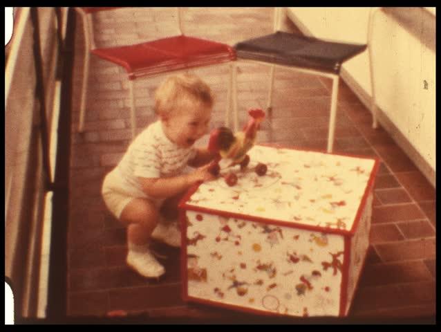 Jack-in-the-box (vintage 8 mm film)
