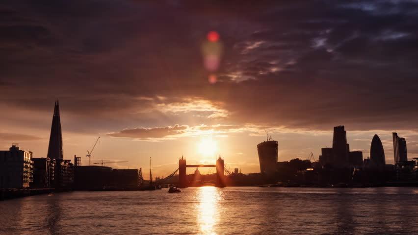 Perfect Sunset with London Tower Bridge, Shard, Walkie Talkie, Time Lapse 4k + 1080p