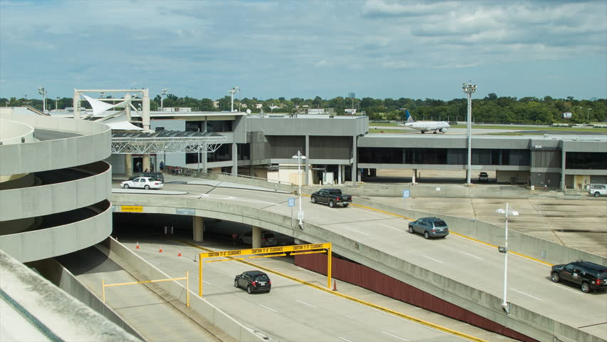 Located just off the New Orleans International Airport's main entrance, US technohaberdar.ml is the closest private airport parking facility, and is almost always faster than parking in the airport garage. US technohaberdar.ml provides convenient, hassle-free parking with a 2 minute shuttle ride to and from the airport .