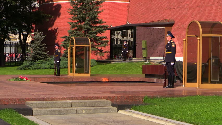 MOSCOW, RUSSIA – 23 AUGUST 2014: Moscow Kremlin. Guard Of Honor At The Tomb Of The Unknown Soldier. - HD stock footage clip