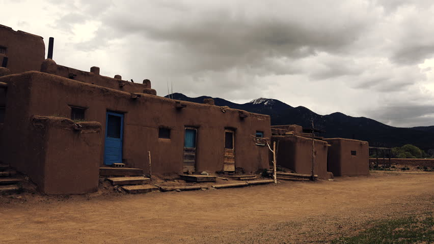 Taos new mexico usa may 5 2015 ancient pueblo village for Building an adobe house